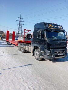 Новый тягач Volvo с прицепом ООО «ТрансСервис»
